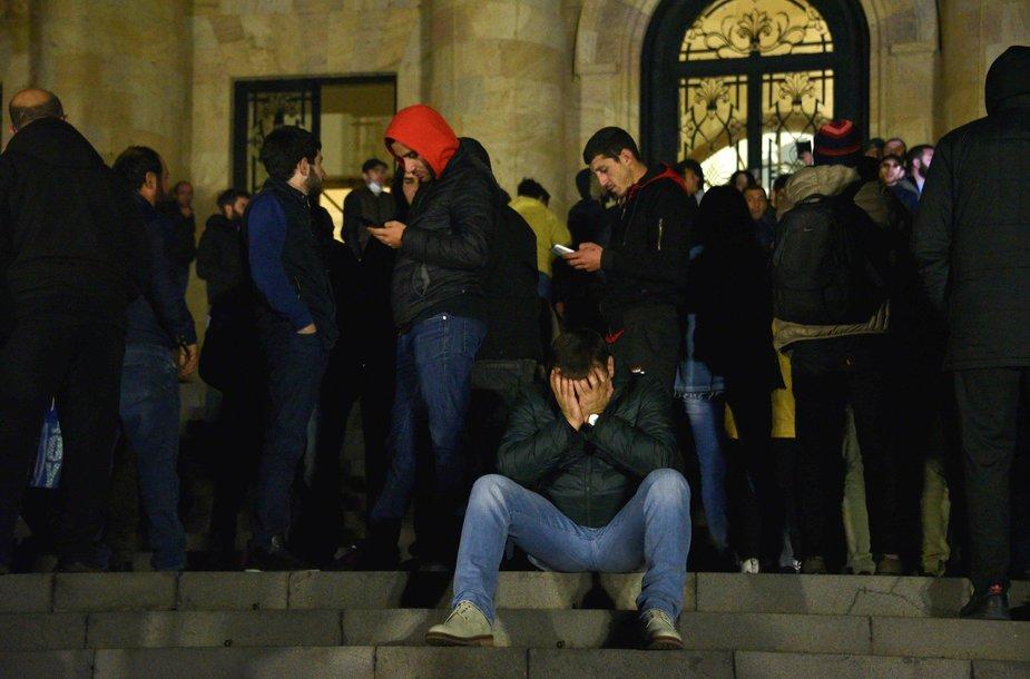Dėl pralaimėjimo Kalnų Karabacho kare įsiutę protestuotojai Jerevane