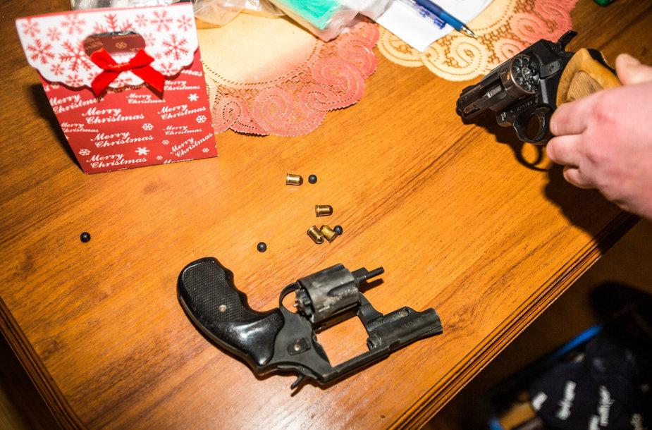 Kratos metu aptikti nelegalūs ginklai