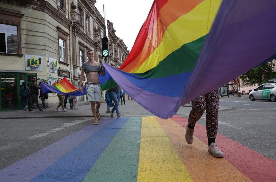 Vilniuje oficialiai atidaryta vaivorykštės spalvų perėja
