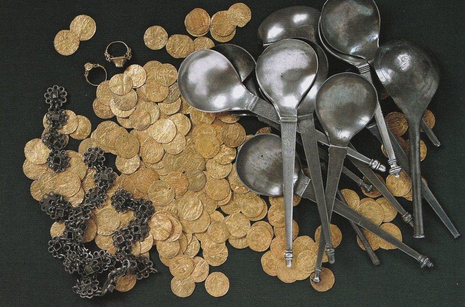Didžiausias Lietuvoje rastas aukso lobis