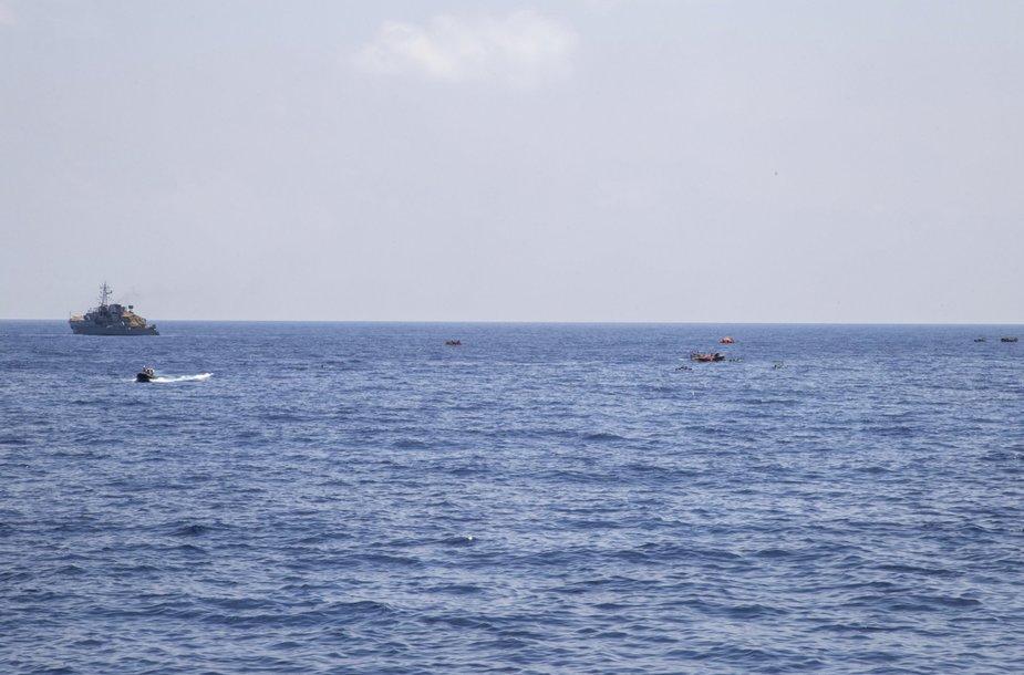 Apvirtusio laivo keleivių gelbėjimo operacija