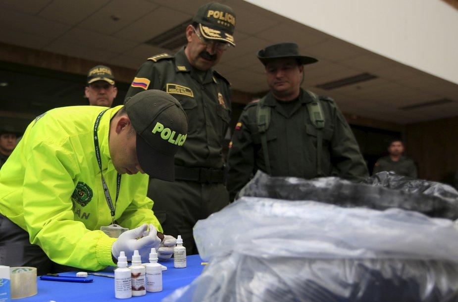 Kolumbijos pareigūnų šuo aptiko daugiau nei dvi tonas perdažyto kokaino