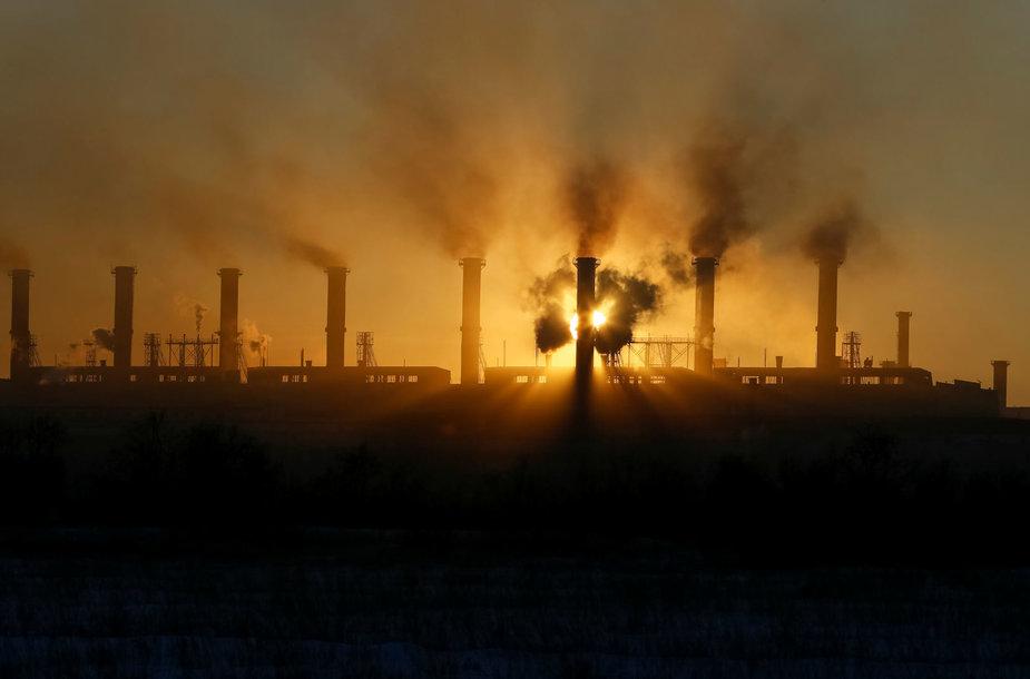 Didžiausia metalų gamykla pasaulyje Aksu mieste Kazachstane