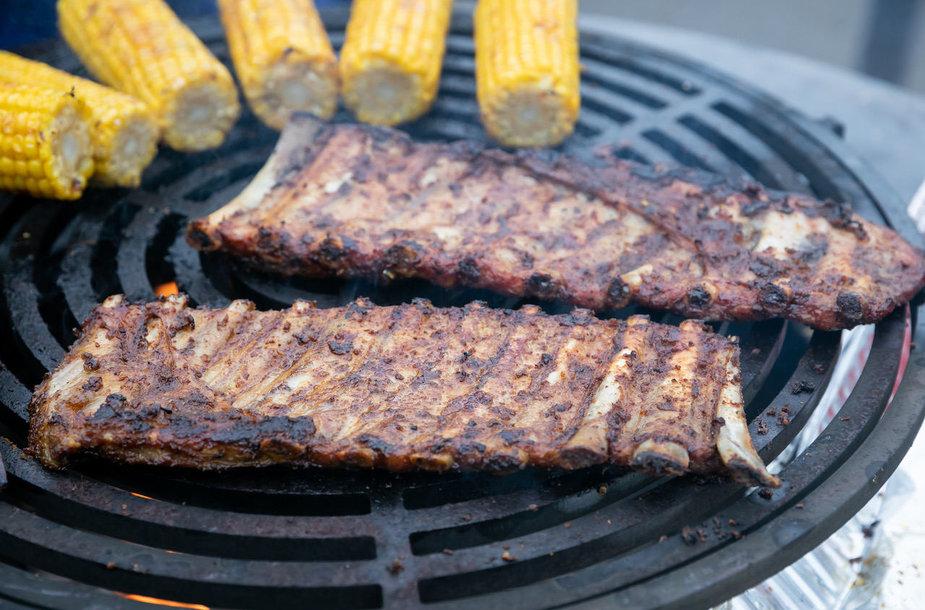 Ketvirtadienio vakarą oficialiai atidarytas 16-asis grilio sezonas