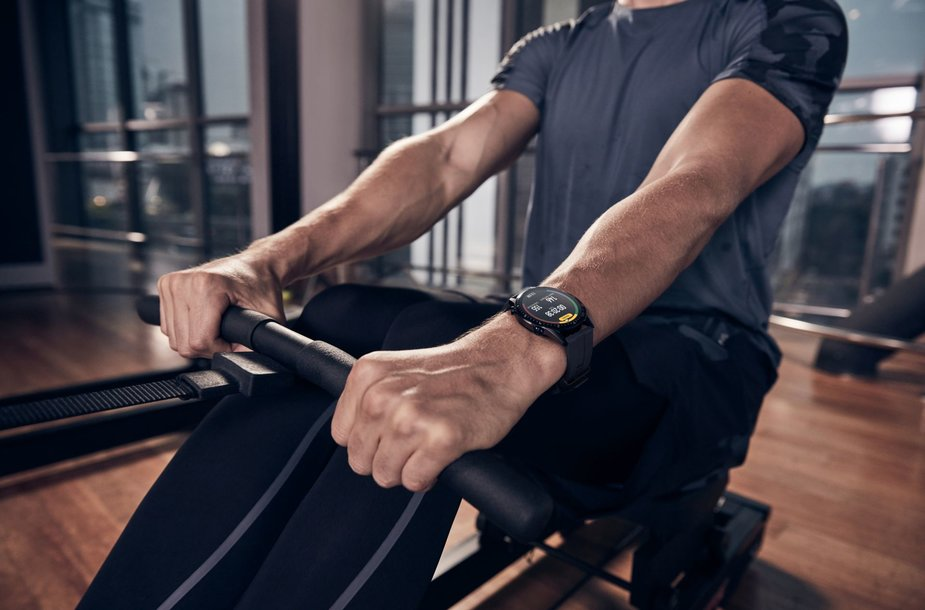 """Vertas nešioti ant rankų: naujasis """"Huawei"""" išmanusis laikrodis patars, pasirūpins sveikata ir papuoš"""