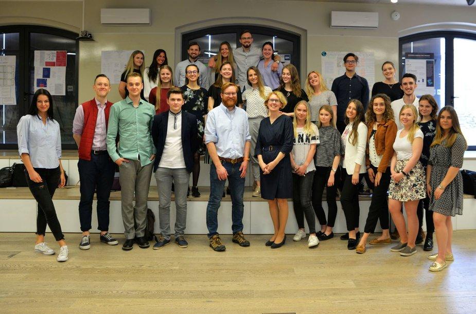 """ISM studentai """"Cognizant"""" paslaugų centre matavosi verslo konsultanto kėdę"""