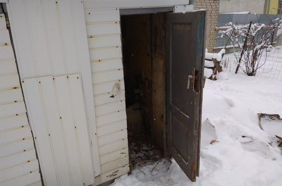 Lauko tualetas, kuriame aptiktas naujagimio kūnas