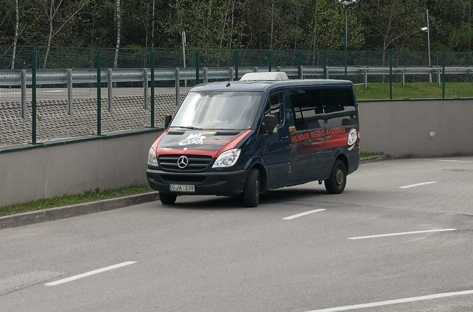 Medininkų pasienio punkte sulaikytas regbininkų autobusiukas
