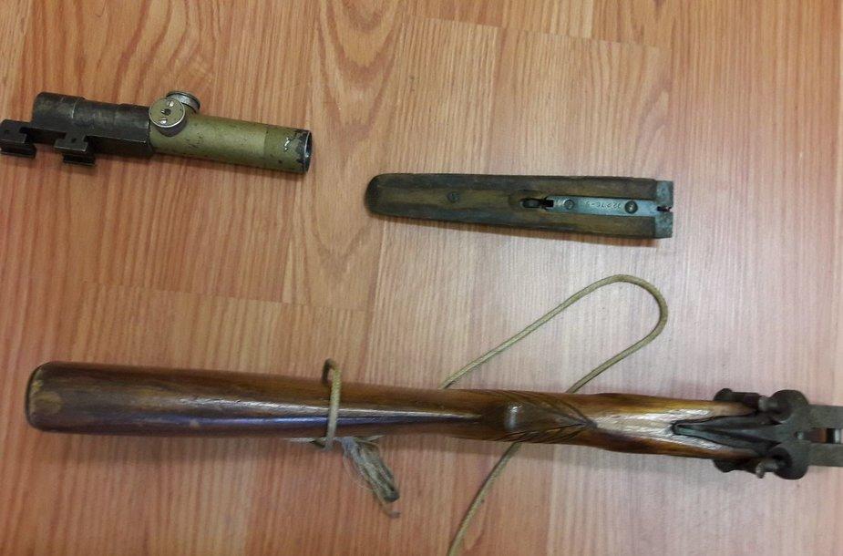 Kelmės rajono gyventojo namuose rasti ginklai
