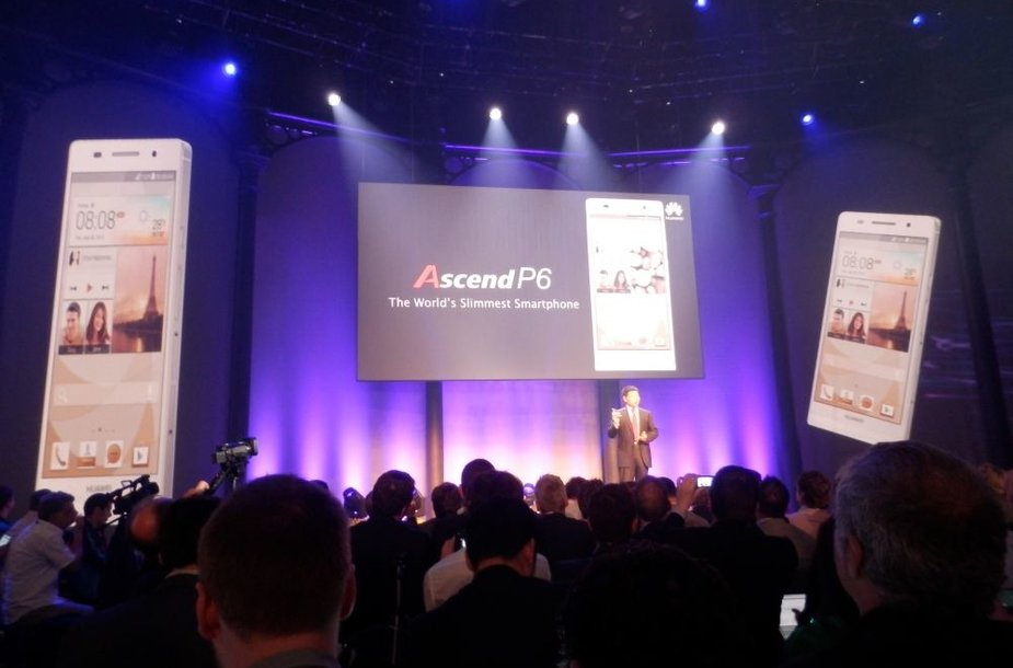 """Huawei Ascend P6"" išmaniojo telefono pristatymo akimirka"