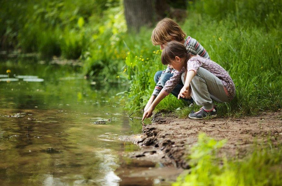 Vaikai gamtoje