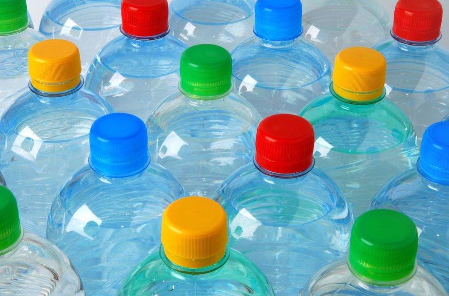 PET buteliai su kamšteliais