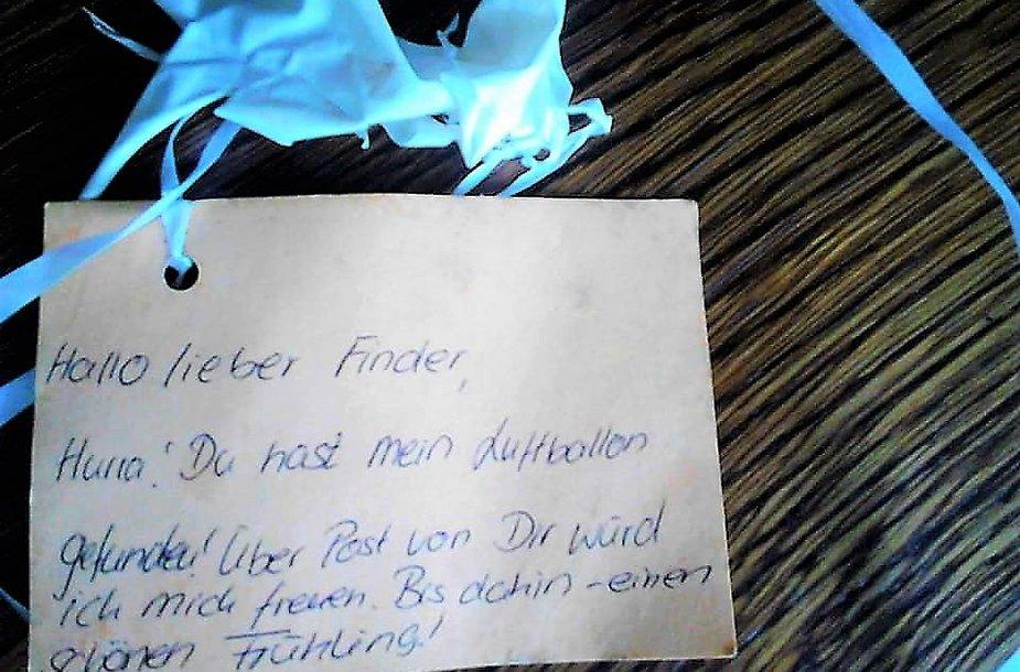 Laiškas atkeliavo helio balionu