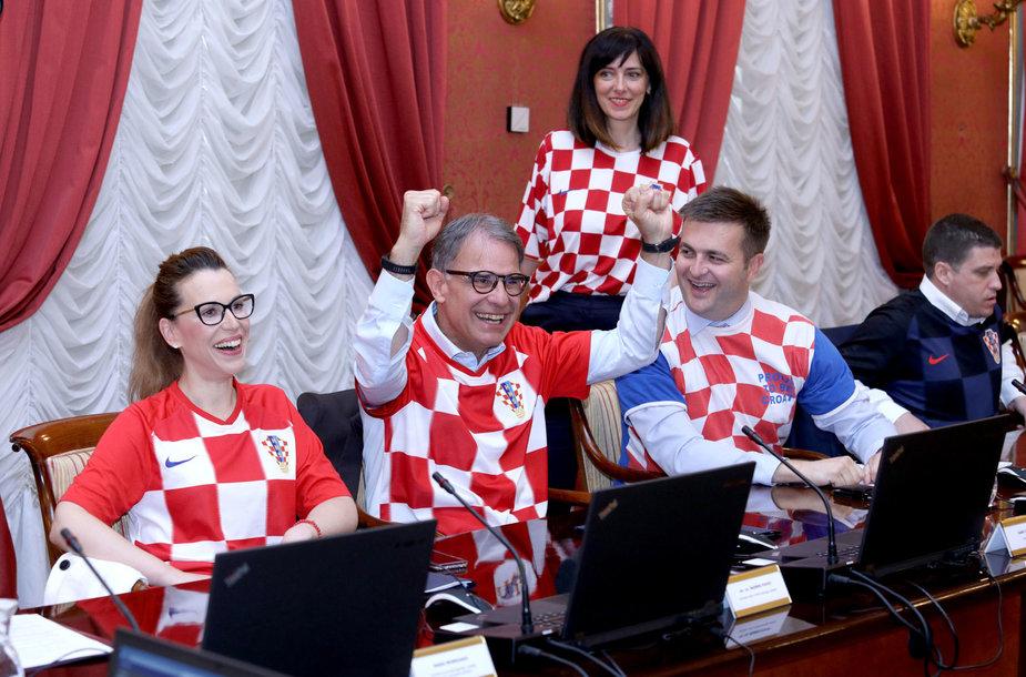 Po pergalės prieš anglus – šventė Zagrebo gatvėse ir parlamente
