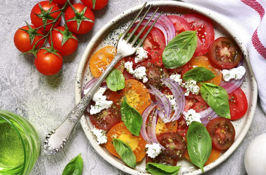 Pomidorų ir fetos salotos