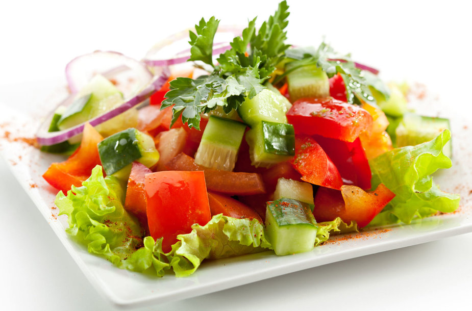 Agurkų ir paprikų salotos