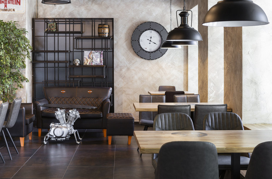 Nuo motociklo į virtuvę: asmeninė baikerio sėkmės istorija ir neatrasti Lvovo Gastro Pub skoniai