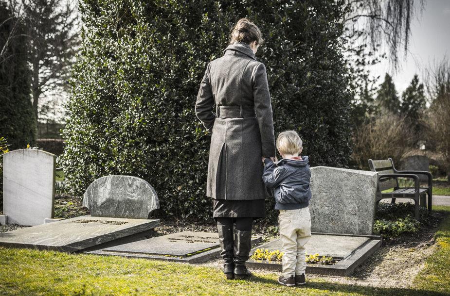 Gedėjimas, kai nusižudo vienas iš šeimos narių