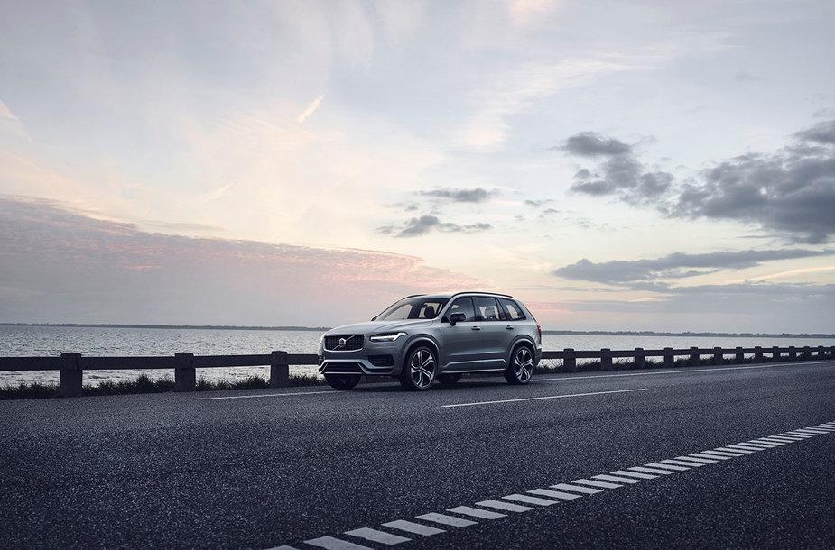 "Atnaujintas ""Volvo XC90"""