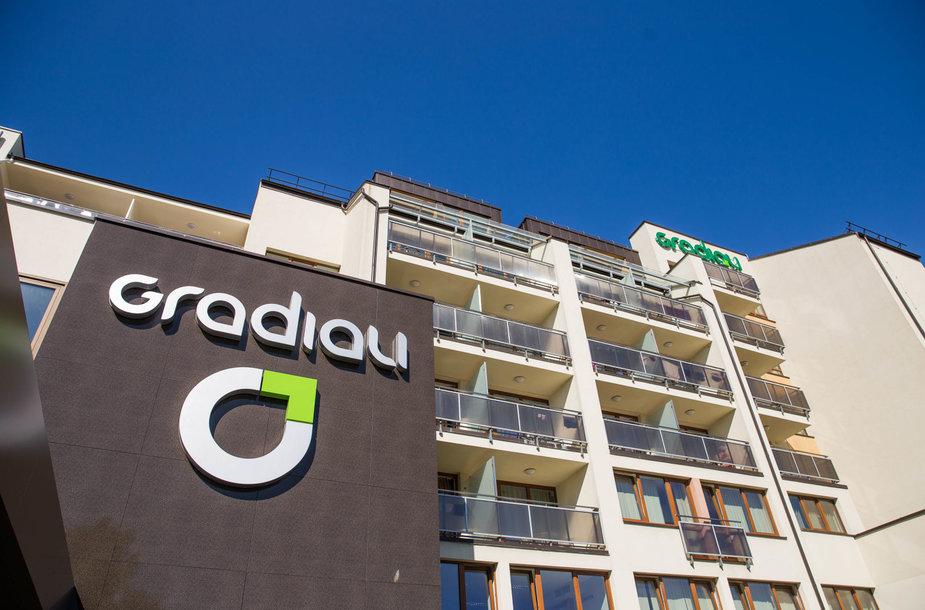 Pušyno apsuptyje įsikūręs naujas modernus viešbutis Gradiali