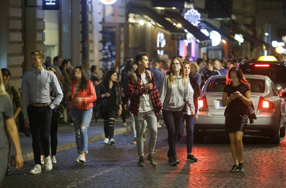 Jaunimo linksmybės Vilniaus gatvėse
