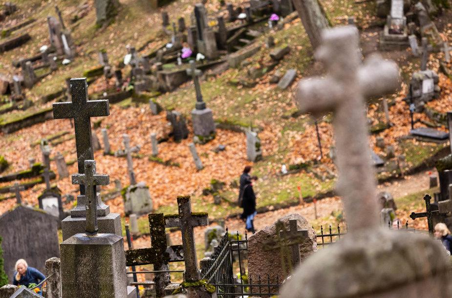 Rasų kapinės Visų Šventųjų dieną