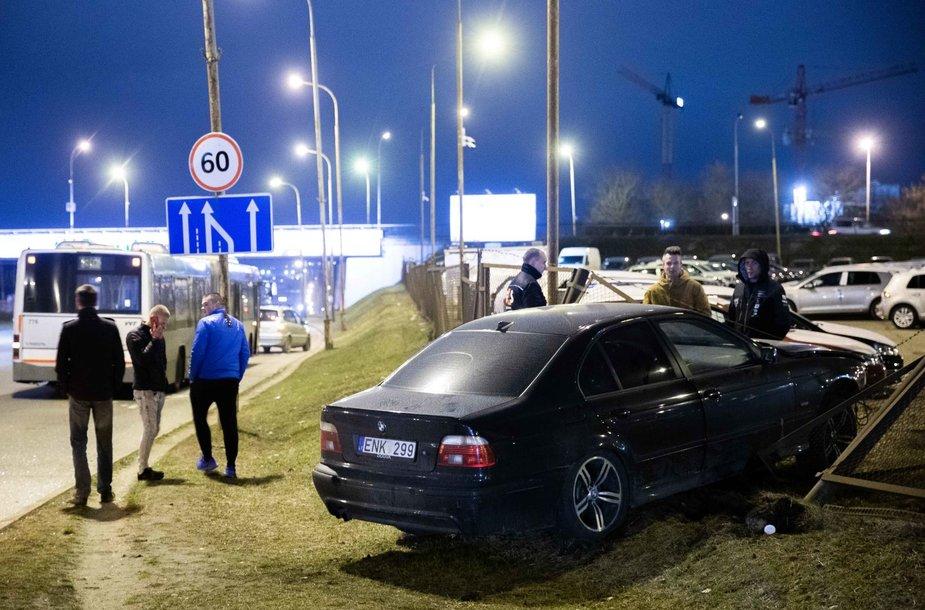 BMW ir autobuso avarija Ukmergės gatvėje