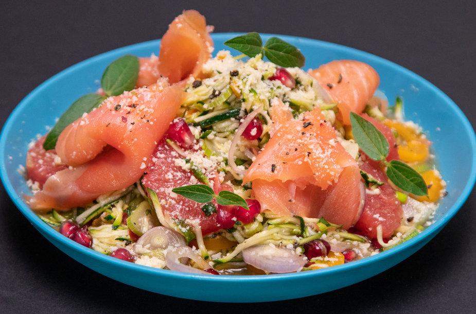 Cukinijų salotos su lašiša