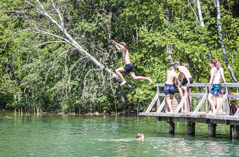 """""""Plaukti neskęsti"""" renginys apie saugų elgesį vandenyje"""
