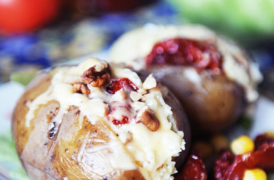 Įmantriai įdarytos bulvės