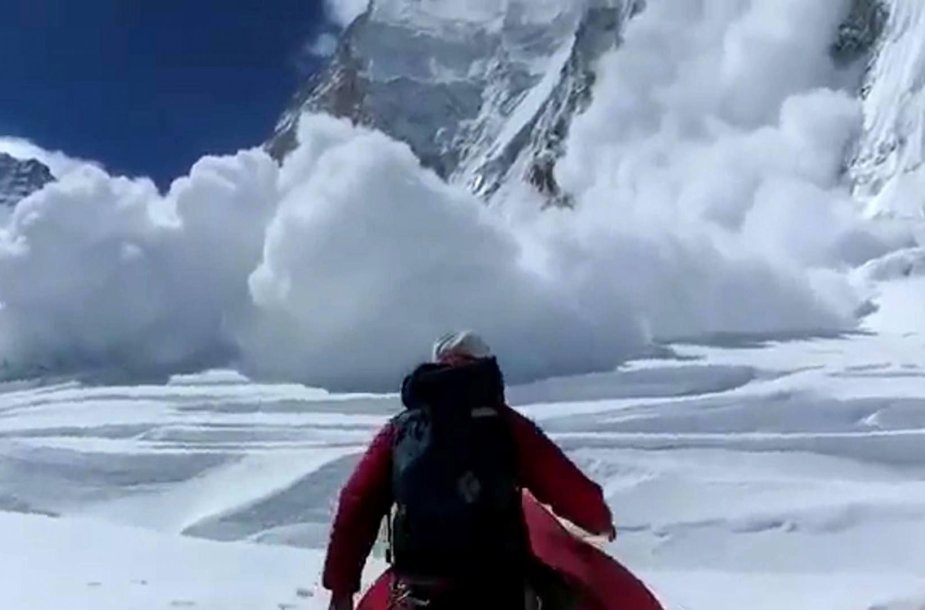 Sniego lavina Evereste