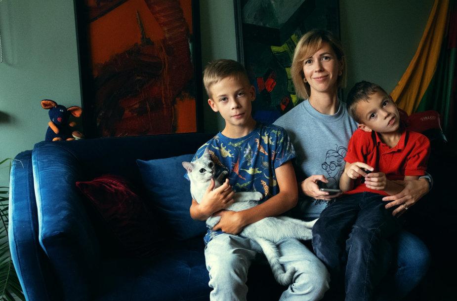 Eglė Laurinavičė su sūnumis