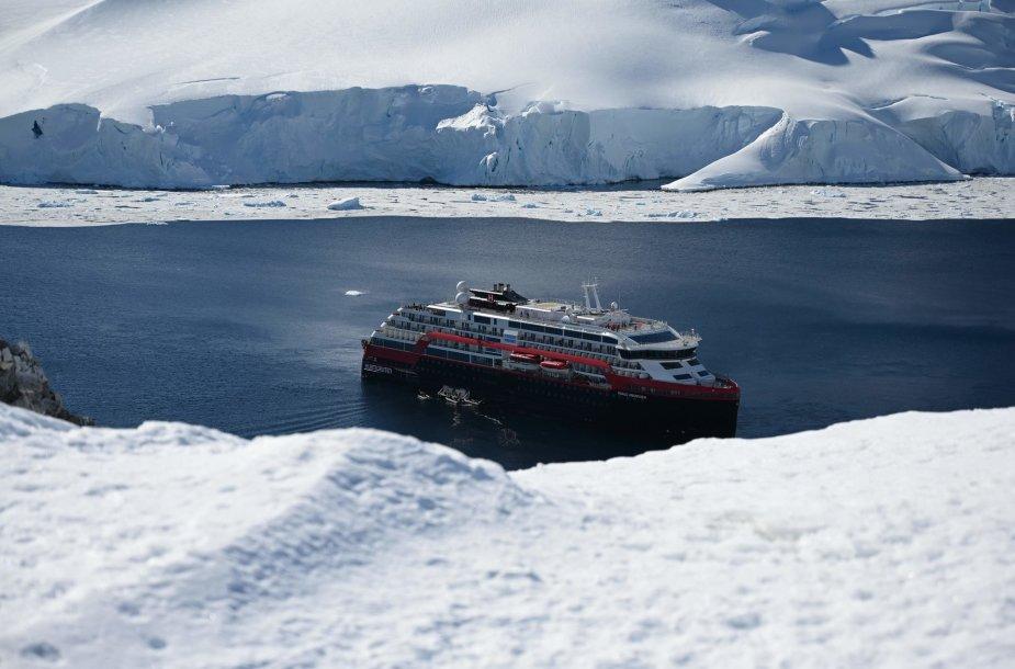 """MS Roald Amundsen"""
