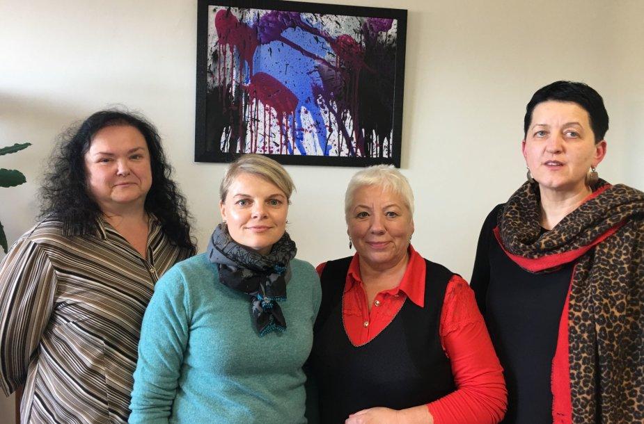 Savanorės Raimonda, Kristina, Birutė ir Renata