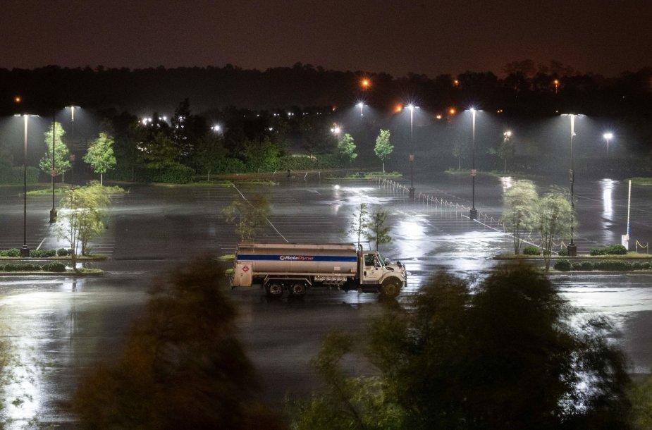 Uraganas Laura pasiekė sausumą