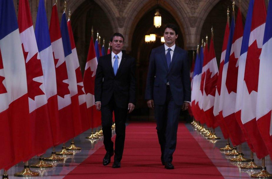 Manuelis Vallsas (kairėje) ir Justinas Trudeau