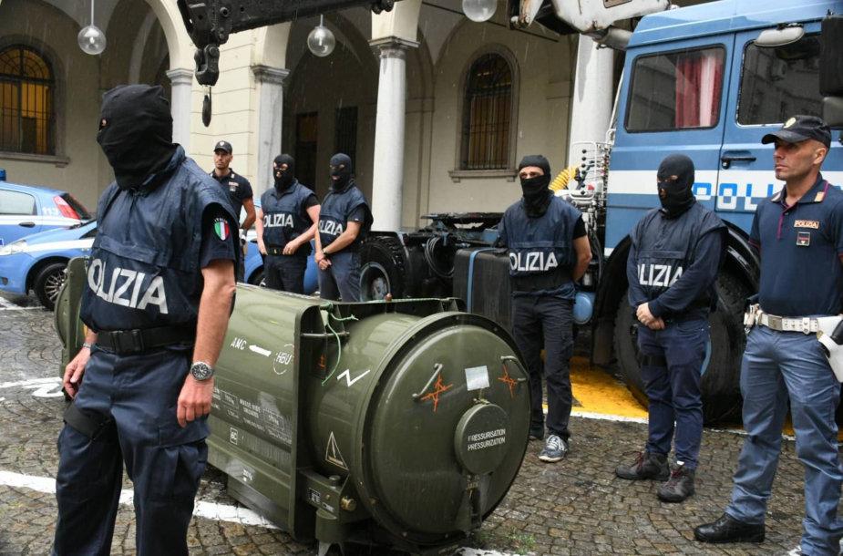 Italijoje iš kraštutinių dešiniųjų šalininkų konfiskuota raketa