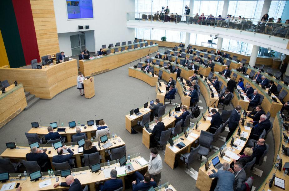 Seime pristatyta Vyriausybės 2018 metų veiklos ataskaitą