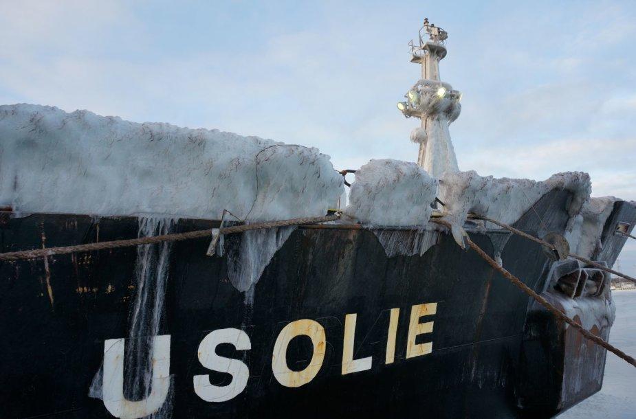 Apledijęs laivas Klaipėdos uoste