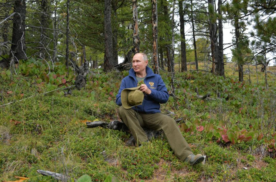 Gimtadienio proga Vladimiras Putinas surengė parodomąjį grybavimą