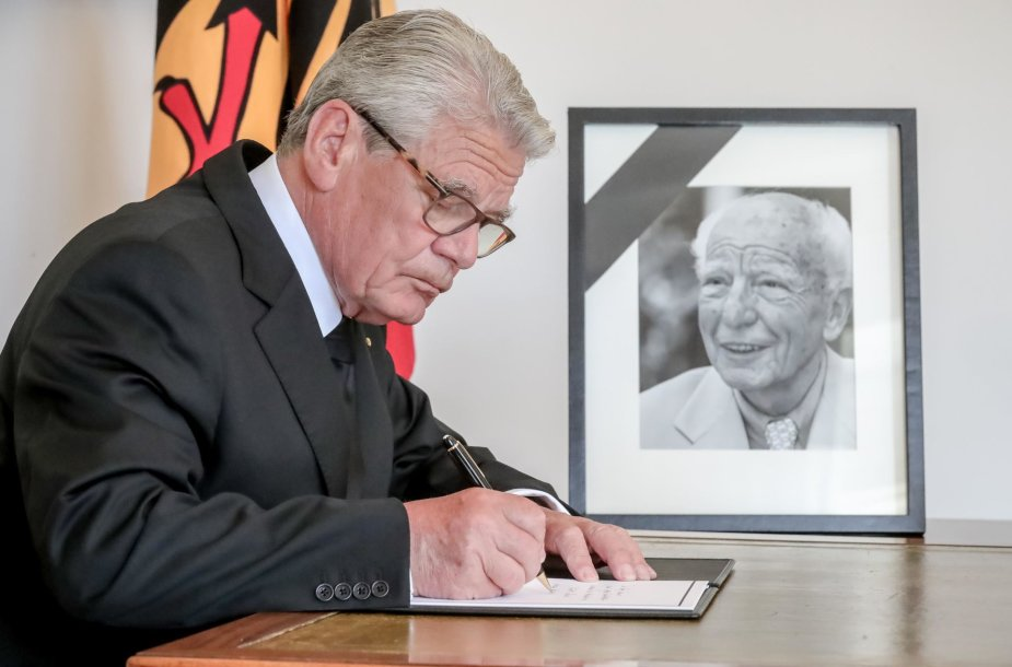 Vokietijos prezidentas Joachimas Gauckas pagerbia Walterio Scheelio atminimą