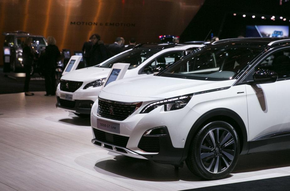 """Peugeot"" automobilių stendas Ženevoje"