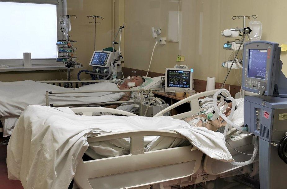 Klaipėdos universitetinės ligoninės medikų kova su COVID-19