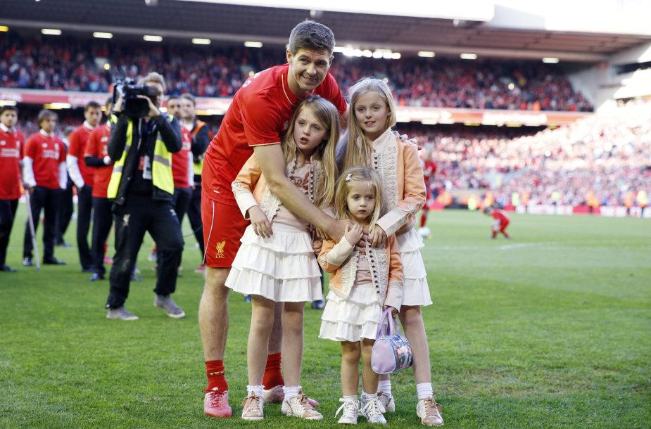 Stevenas Gerrardas su dukromis