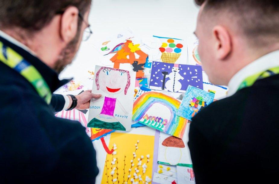 Vilniaus oro uoste rasti piešiniai
