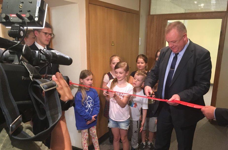 Vyriausybėje atidarytas vaikų kambarys