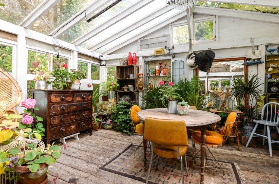 """Londone parduodamas ypač jaukus namas, naudotas """"Disney"""" ir Jamie Oliver laidų filmavimas"""