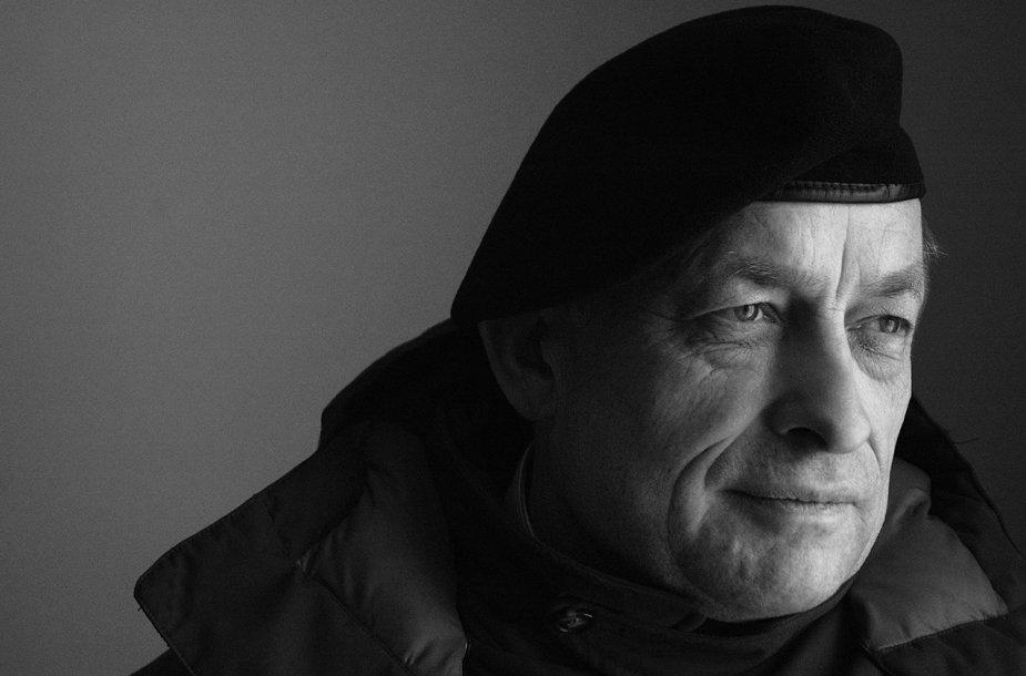Poetas, eseistas, vertėjas Kornelijus Platelis