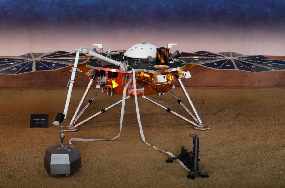 """Zondo """"Insight"""" modelis NASA reaktyvinių variklių laboratorijoje"""