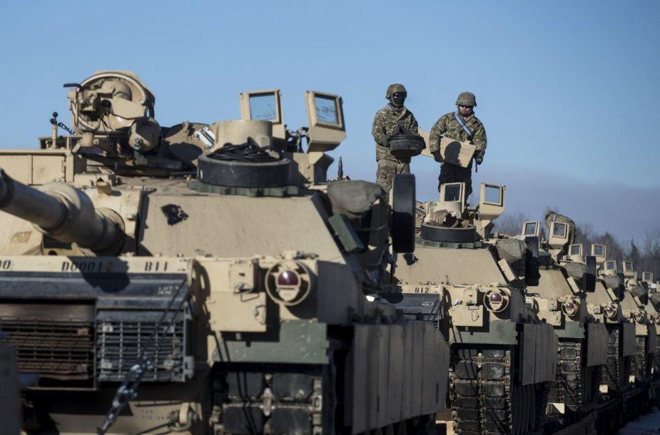 "JAV tankai ""Abrams"""